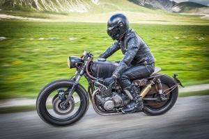 125-ccm-Motorrad: Kann der Führerschein ab einem Alter von 16 Jahren gemacht werden?