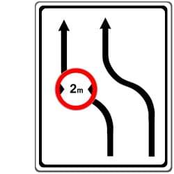 Das Zeichen 505 verbietet das Überholen in der Baustelle ab einer bestimmten Fahrzeugbreite.