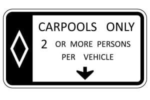 """Besondere US-amerikanische Verkehrsschilder: """"Carpool lanes"""" sind ausschließlich für Fahrgemeinschaften freigegeben."""