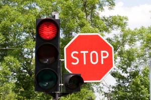 Ampel und Stoppschild
