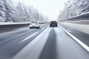 Wird der Anhalteweg durch Schnee beeinflusst?