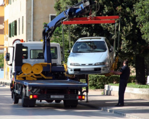 Richtig parken und das Abschleppen vom Auto verhindern