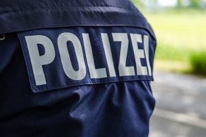Auto angefahren: Zettel hinterlassen? Besser ist es, gleich die Polizei zu informieren.