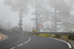 Droht ein Bußgeld, wenn am Auto der Nebelscheinwerfer trotz guter Sichtverhältnisse eingeschaltet wurde?