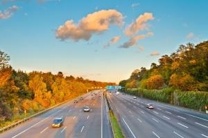 Autobahn in Estland: Diese suchen Autofahrer vergeblich.