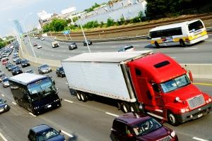 Wochenend-Fahrverbot für Lkw in Deutschland: Unter anderem gilt auf der Autobahn ein Lkw-Fahrverbot.