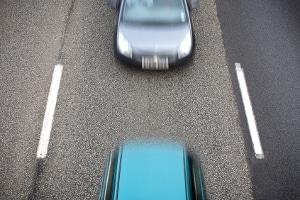 Autobahn: Welcher Mindestabstand muss hier und auf anderen Außerortsstraßen eingehalten werden?
