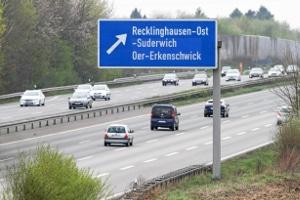 Autobahn: Muss eine Mindestgeschwindigkeit beim Auffahren eingehalten werden?