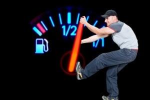 Auf die Autobahn sollten Sie nicht mit Spritmangel fahren.