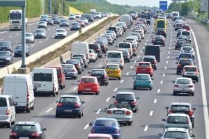 Kommt es auf Autobahnen zum Stau, ist besondere Vorsicht gefragt.