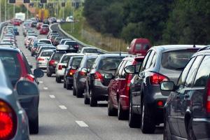 Bei der Autobahnfahrt kann es auch zur Staubildung kommen.