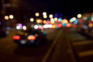 Die Beleuchtung am Auto hinten und vorn sorgt bei schlechten Sichtverhältnissen für eine erhöhte Verkehrssicherheit.