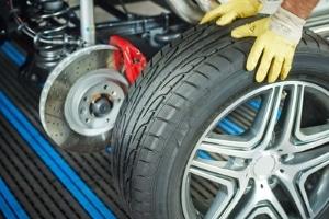 Haben Sie die Fahrzeugteile-Betriebserlaubnis verloren, z. B. für Felgen, kann das KBA oder der Hersteller helfen.