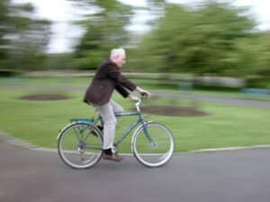 Betrunken fahrradfahren? Darauf folgen hohe Strafen für den Radfahrer.