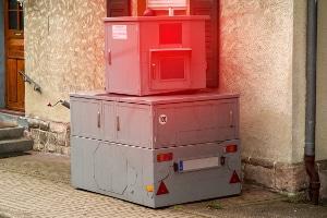 Blitzer: Mittels Radar wird die Geschwindigkeit von herannahenden Fahrzeugen gemessen.