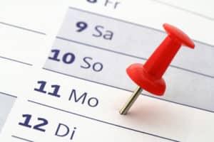 Um sicherzustellen, dass Sie die Fristen einhalten, sollten Sie die Brieflaufzeiten berücksichtigen.