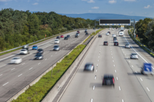 Für die Brückenabstandsmessung eignen sich Autobahnen aufgrund der weiten Einsehbarkeit.