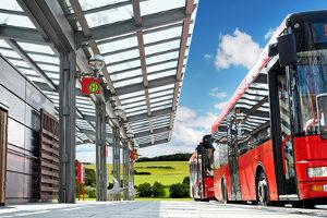 Einen Bus mit Anhänger dürfen Inhaber der Führerscheinklasse D1 fahren.