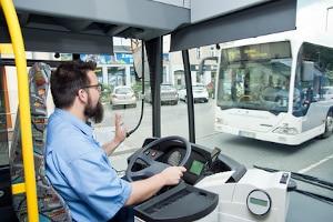 Wer eine Busampel überfährt, muss mit Sanktionen rechnen.
