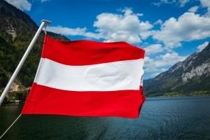 Bußgeldkatalog Österreich: Besuchen Sie unseren Nachbarn mit dem Auto, sollten Sie die geltenden Vorschriften kennen.