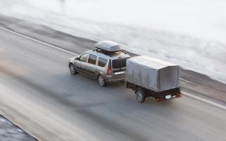 Um mit einer montierten Dachbox den Verbrauch zu minimieren, sollten Fahrer einige Tipps beachten.
