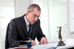 Einspruch wegen der im Bußgeldbescheid aufgeführten Formfehler- Ein Anwalt kann Sie beraten.