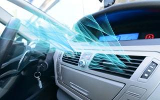 Elektrische Verbraucher im Auto ziehen ihren Energiebedarf meist aus der Autobatterie oder dem Motor.