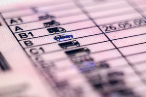 EU-Recht: Ein alter Führerschein ist bis spätestens 2033 umzutauschen.
