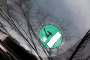 Für Fahrzeuge mit Euro 6 ist die Plakette grün.