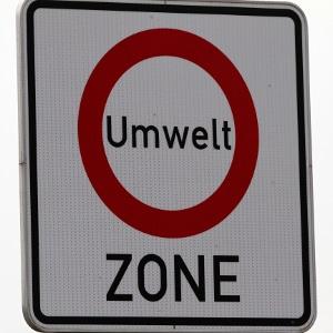 Mit einer Umweltplakette der Euronorm 2 dürfen Sie nicht in eine Umweltzone einfahren.