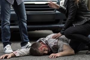 Fahrerflucht mit Personenschaden: Eine Strafe droht unter anderem wegen unterlassener Hilfeleistung.