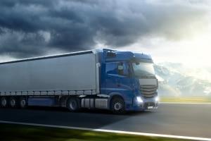 Im gewerblichen Güterverkehr benötigen die Fahrer eine entsprechende Fahrerkarte.