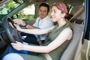 Darf der Fahrlehrer das Handy während einer Fahrstunde nutzen?