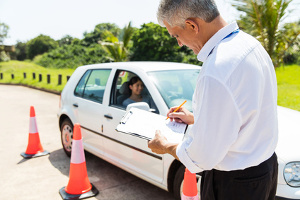 Bei der Fahrprüfung durchgefallen: Das kann viele Gründe haben.