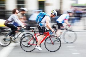 Auch auf einem Fahrrad gelten die Verkehrsregeln.