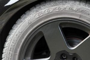 Keine Fahrzeugmängel riskieren: Die Reifen müssen eine gewisse Profiltiefe aufweisen.