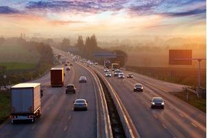 Ferienfahrverbot für Lkw: Auf Autobahnen kann es während der Ferien voll werden.