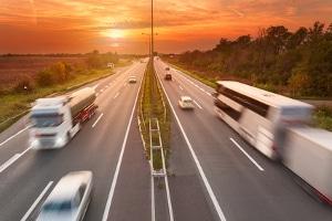 Ferienreiseverordnung: Für bestimmte Lkw kann eine Ausnahmegenehmigung vorliegen.