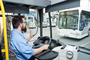 Der Führerschein D1 ist der Einstieg in die Führerscheinklassen für den Bus.