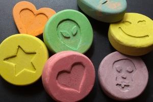 Drohen neben dem Führerscheinentzug bei Drogenbesitz noch andere Konsequenzen?
