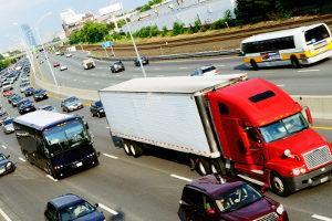 Führerscheinentzug und Fahrverbot weisen viele Unterschiede auf.