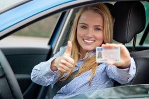 Führerscheinentzug: Wann Sie ihn abgeben müssen, ist abhängig davon. von wem der Entzug der Fahrerlaubnis angeordnet wurde.
