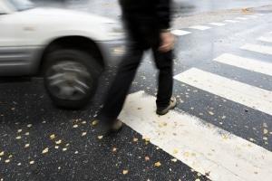 Wird ein Fußgänger angefahren, trägt dieser meist schwere Verletzungen davon.