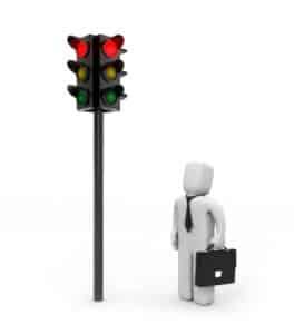 Fußgänger vor roter Ampel