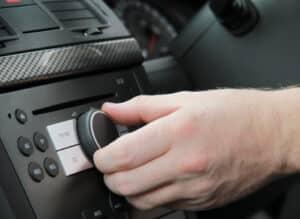 Über Geisterfahrer informieren Sie sich im Radio