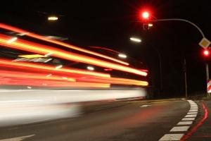 Beachten Sie die Vorgaben zu Geschwindigkeit in Lettland nicht, droht unter Umständen ein Bußgeld.