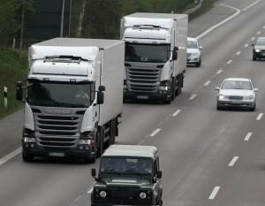 Geschwindigkeit von Lkw auf der Autobahn