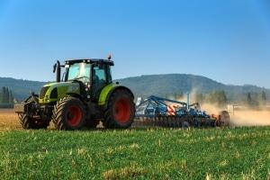 Grüne Kennzeichen kennt man hauptsächlich von landwirtschaftlichen Maschinen.