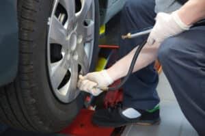 Hauptuntersuchung beim Reifen