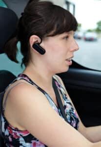 Headset statt Handy am Steuer